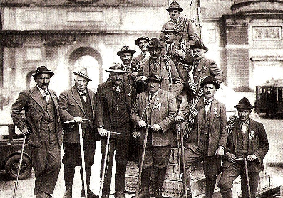 Le guide alpine delle Valli di Lanzo al raduno di Roma del 1929