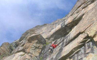 3 vie sull'Uja di Mombran (2930m) dal bivacco Soardi-Fassero