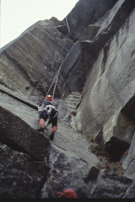 """""""L'ultima pagina di storia alpinistica sulla grande parete granitica del Vallone di Sea nelle Alpi Graie meridionali"""", Gian Carlo Grassi."""
